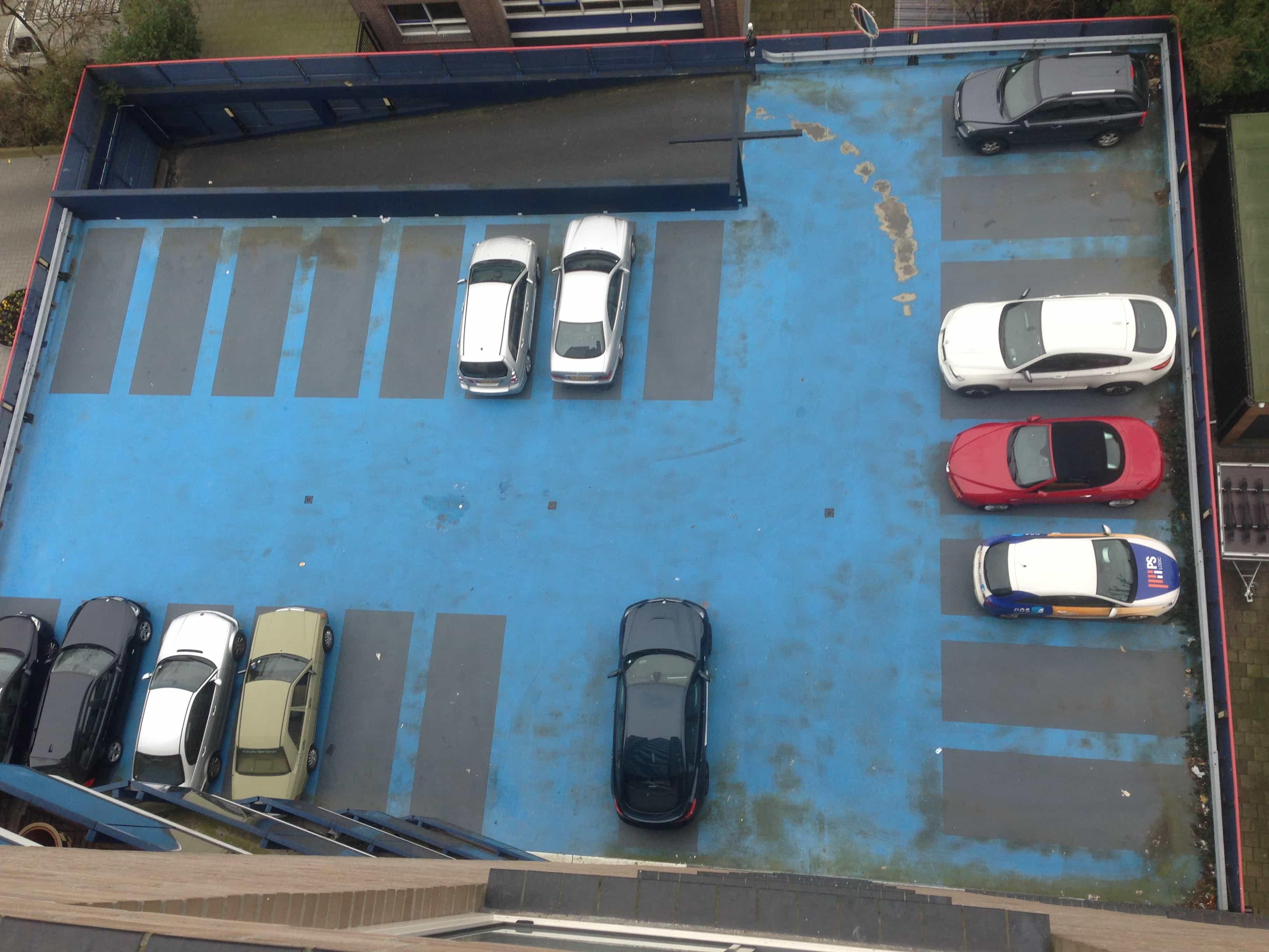 Voor situatie foto van de gecoate parkeergarage