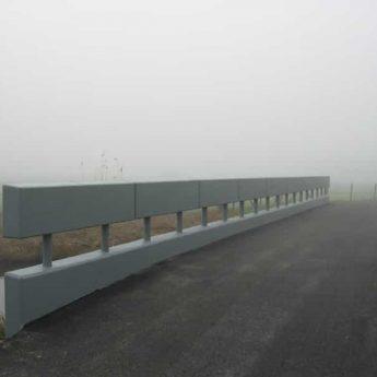 Betonherstel brug in de mist